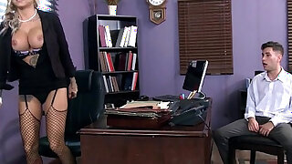 Tatooed milf Britney Shannon takes charge