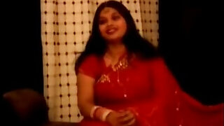 chubby indian aunty in red sari
