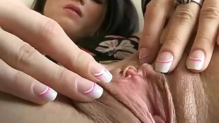 Teen stockings works her fleshy cunt in close up