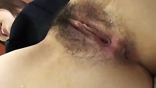 Japanese girl gets pussy fingered before sucking