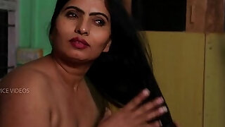 Desi Aunty Tempting Herself In Bathroom Hot Romance With Servant