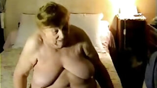 Having fun with my old fat aunt. Amateur